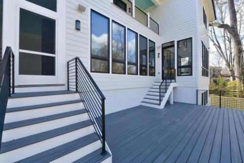 5053-36th-street-arlington-deck